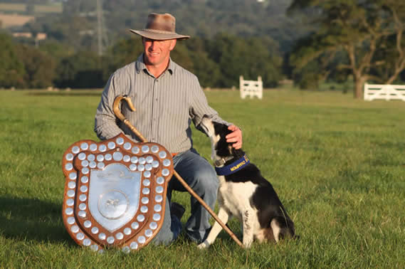 ianbrownleeandboredalegus2012internationalsupremesheepdogchampion.jpg